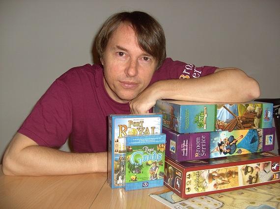 Alexander Pfister mit seinen Spielen
