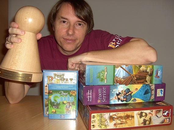 Alexander Pfister mit Spiel des Jahres Auszeichnung und seinen Spielen