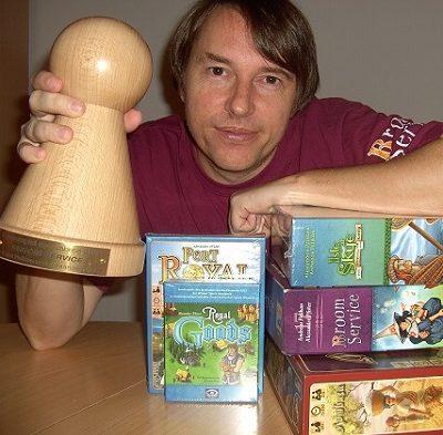 Alexander Pfister mit Spiel des Jahres Auszeichnung und Spielen - Vorschau